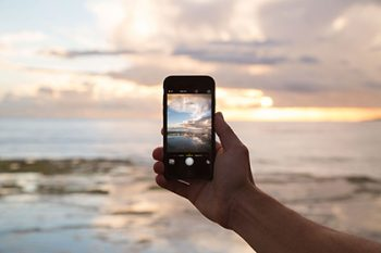 Smartphone and the ocean